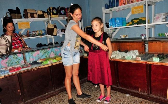 Continúa venta de uniforme escolar en Ciego de Ávila