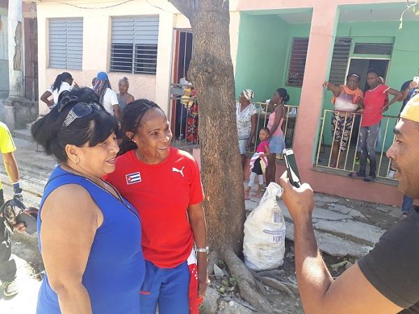 """Ana Fidelia Quirós: Cuba, una """"tormenta"""" de solidaridad"""