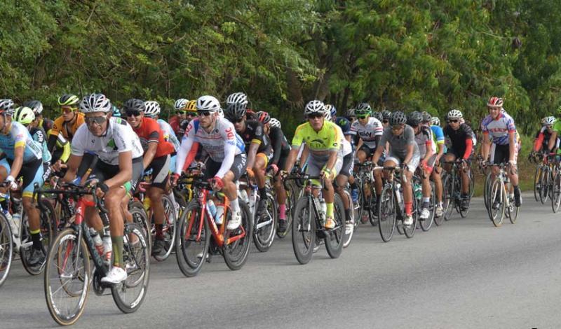 Clásica 200 km A Todo Motor, cierre de lujo para el ciclismo máster cubano