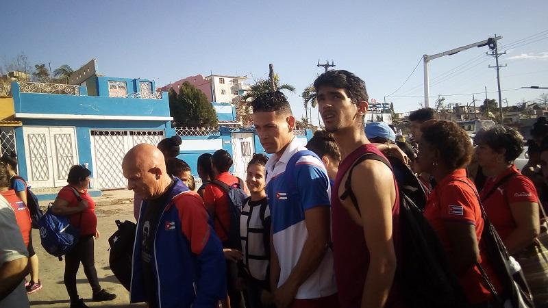 Representantes del deporte cubano visitan zona afectada por tornado