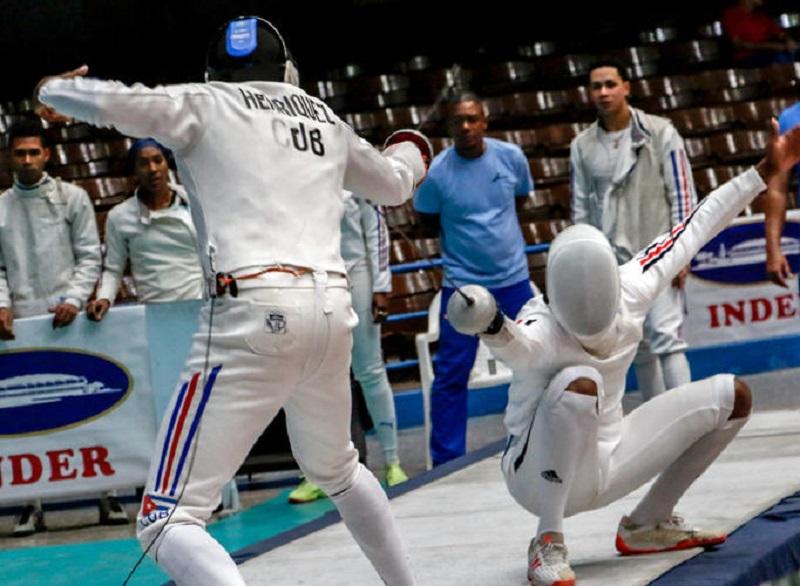 Espadistas cubanos campeones por equipo en Panamericano de Canadá