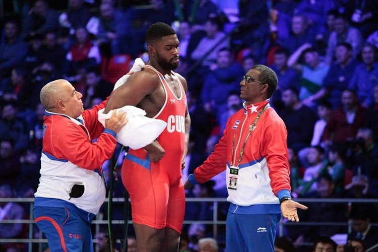 Plata para cubano Oscar Pino en Campeonato Mundial de Lucha