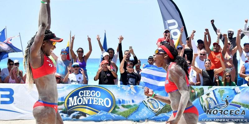 Duplas playeras (f) de Cuba por oro y bronce en parada de Varadero