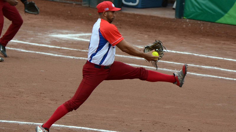 Softbol cubano sigue volando alto