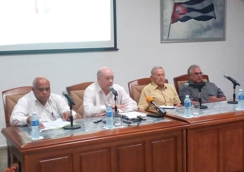 La Ventanilla Única de Comercio Exterior agilizará todos los trámites relacionados con las importaciones y las exportaciones, refirió Malmierca Díaz.