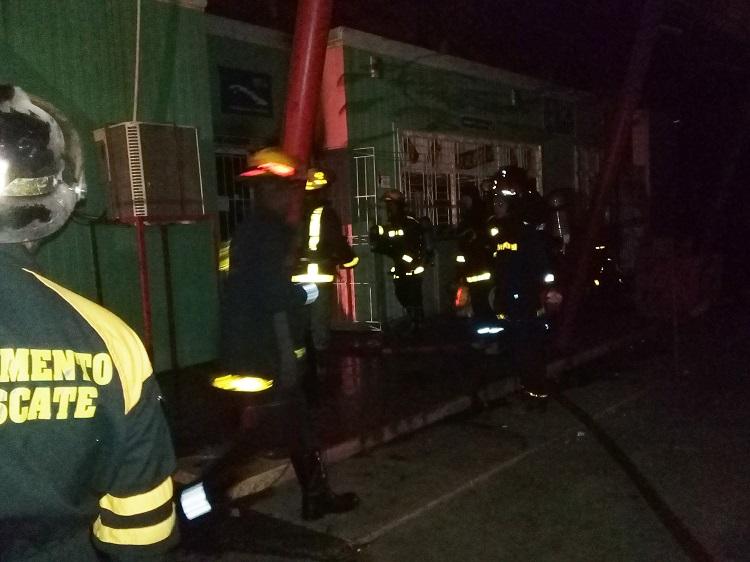 Sofocado incendio en tienda de Cadena Caribe en La Habana