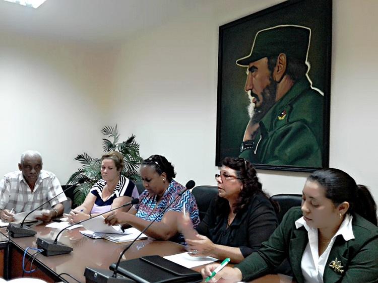 Jubilados de Cienfuegos se insertan en la informatización