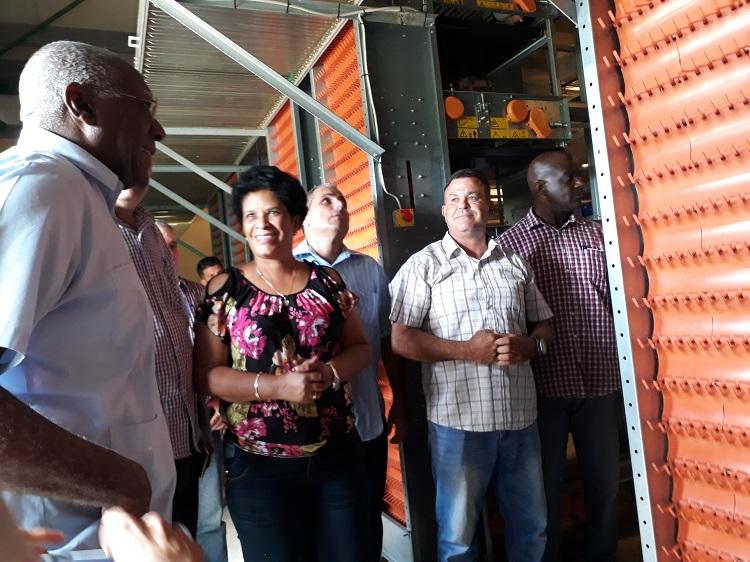 Salvador Valdés Mesa chequea inversiones agrícolas en Pinar del Río