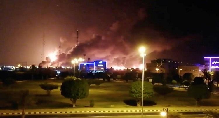 Intensifican rebeldes de Yemen sus ataques contra instalaciones petroleas de Arabia Saudita