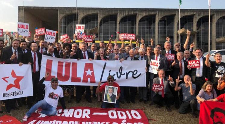 Marcharon en Brasil para pedir la liberación de Lula y en repudio al juez Sergio Moro