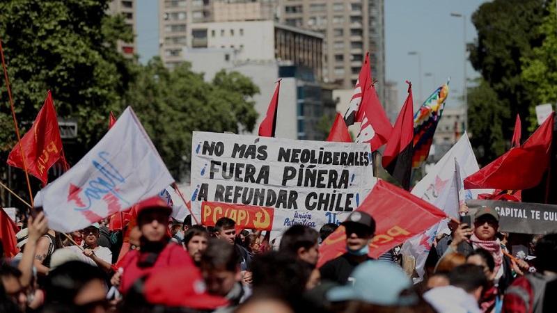 Vive Santiago de Chile otra jornada de protestas y violencia