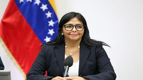 Afirma Delcy Rodríguez que la paz es la única opción en Venezuela