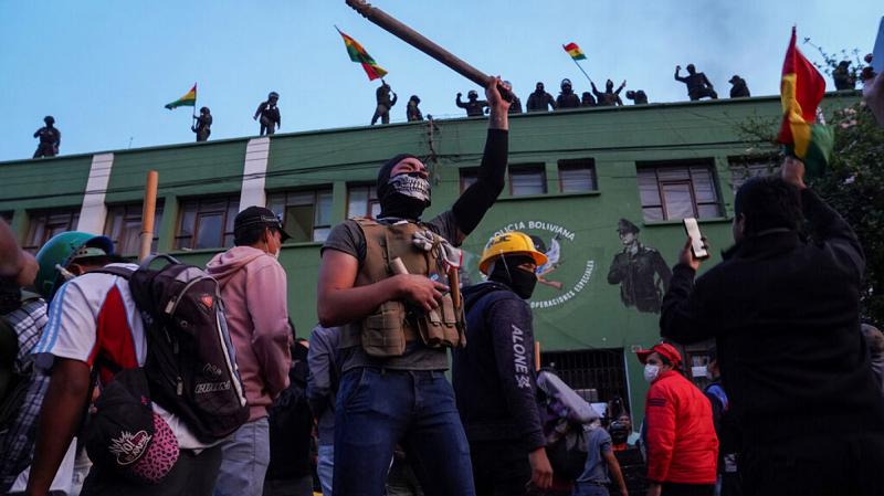 Golpistas insisten en persecución de Evo Morales y sus seguidores