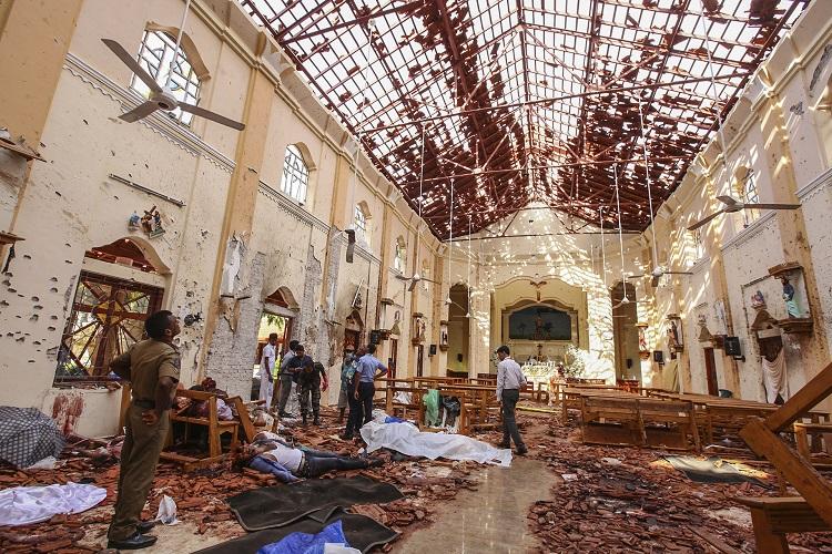 Sri Lanka Bombings Kill 290, Gov´t Detains 24, Blames Islamist Group