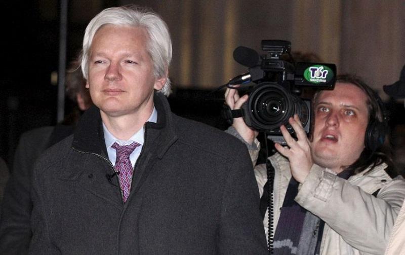 Batalla política en Reino Unido sobre eventual extradición de Assange