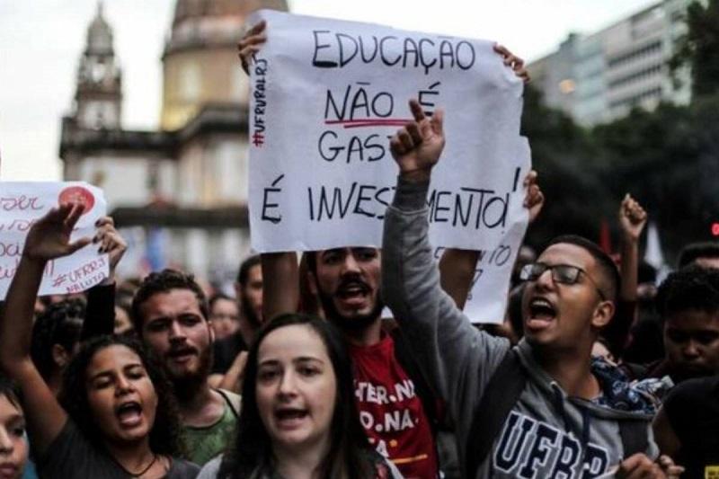 Vuelven los brasileños a las calles en múltiples protestas contra los desmanes de Bolsonaro