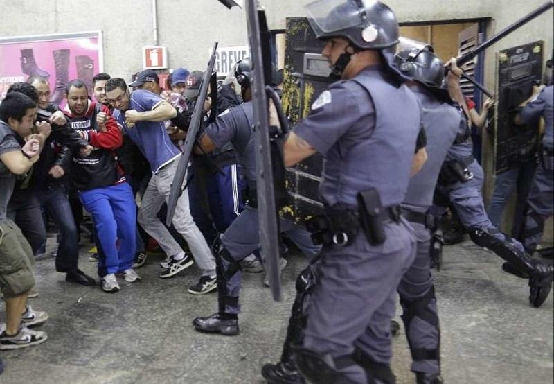 Reprime la policía a los participantes de la huelga general contra Jair Bolsonaro