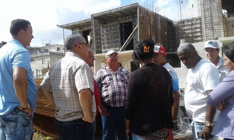 Evalúan progreso constructivo de viviendas dañadas por el tornado