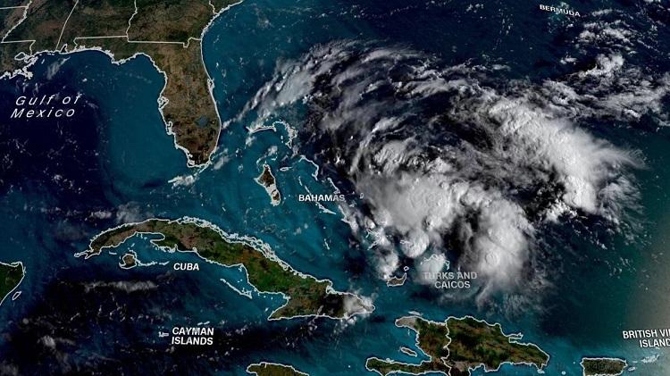 Tormenta tropical Humberto retrasa llegada de ayuda a Bahamas