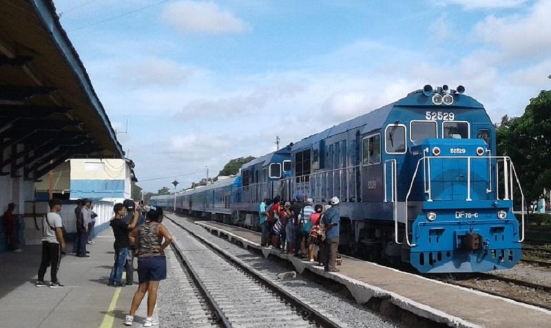 Ponen en marcha medidas de transportación de pasajeros por ferrocarril