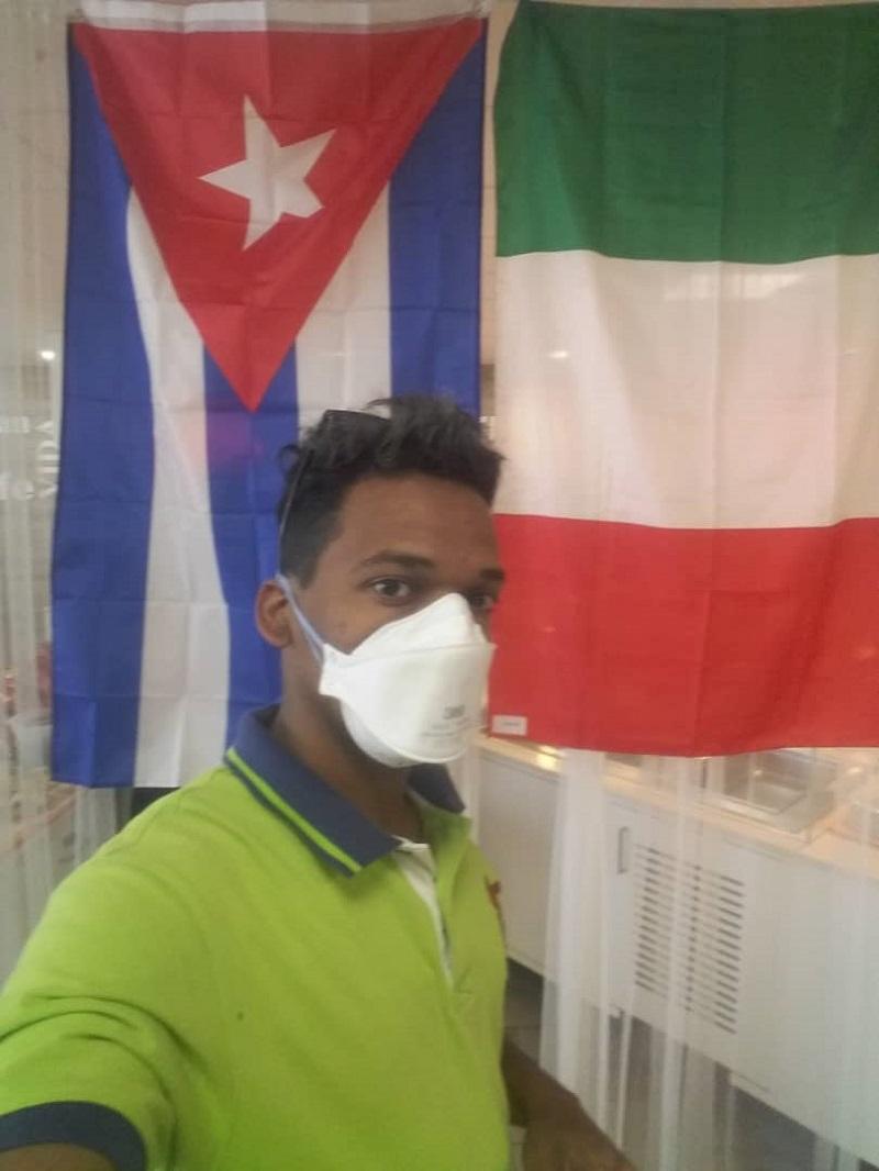 el neumólogo Ronnier Montero Aldana envía un saludo a todos los trabadores del mundo y en especial a los cubanos