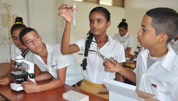 🎧 Enseñanza Secundaria Básica, reajustes para el regreso a las aulas en Cuba
