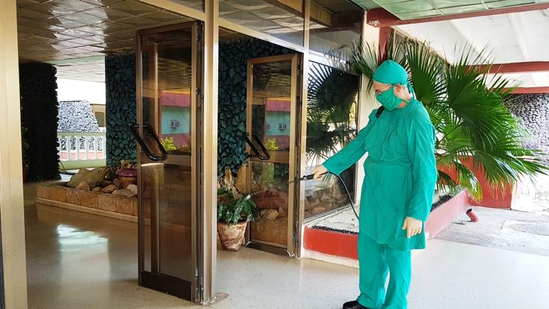 Se cumplen estrictas medidas de higiene en el Centro de Aislamiento.