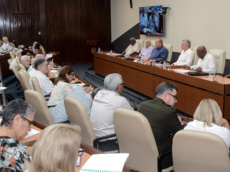 """Díaz-Canel: """"El enfrentamiento al nuevo Coronavirus se gana con la participación popular"""" (+Audio)"""