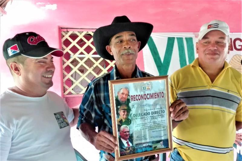 Diosdado, el primer delegado directo de Holguín al XII Congreso de la ANAP