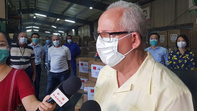 Dona China implementos sanitarios para contener la COVID-19 en Cuba