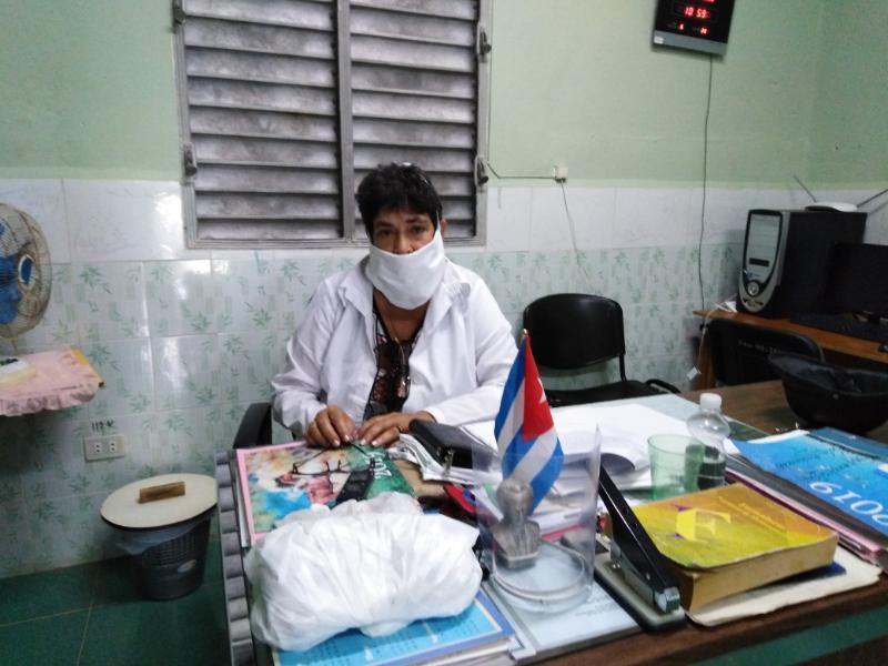 La desinfección del centro es tarea primordial afirmó la doctora Belkis Rico García, directora de la institución.