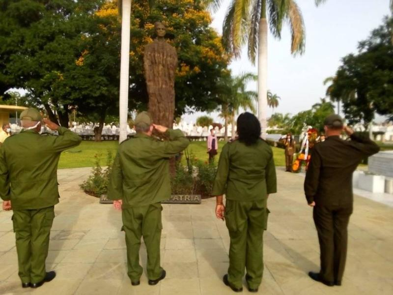 Homenaje de Raúl y del pueblo de Cuba a Mariana Grajales en el Día de las Madres
