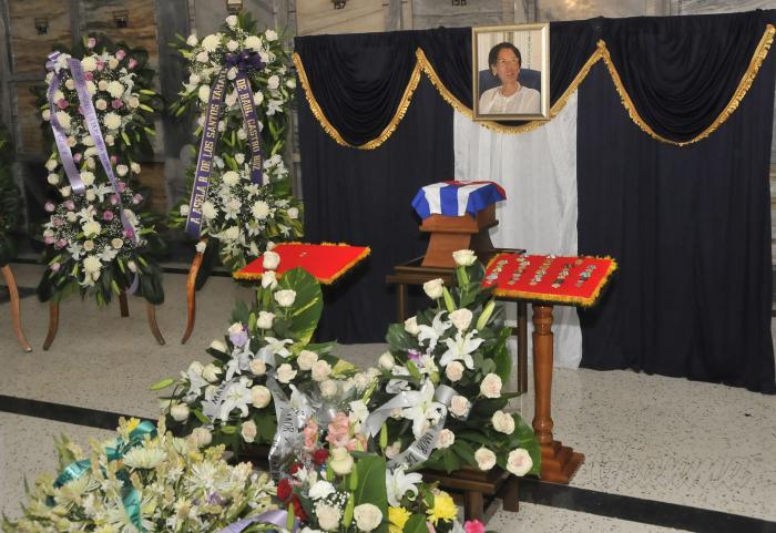 En Audio: Un adiós a la eterna educadora Asela de los Santos