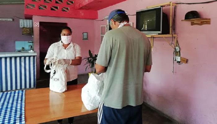 Trabajadores sociales enfrentan la COVID-19 en el municipio Boyeros