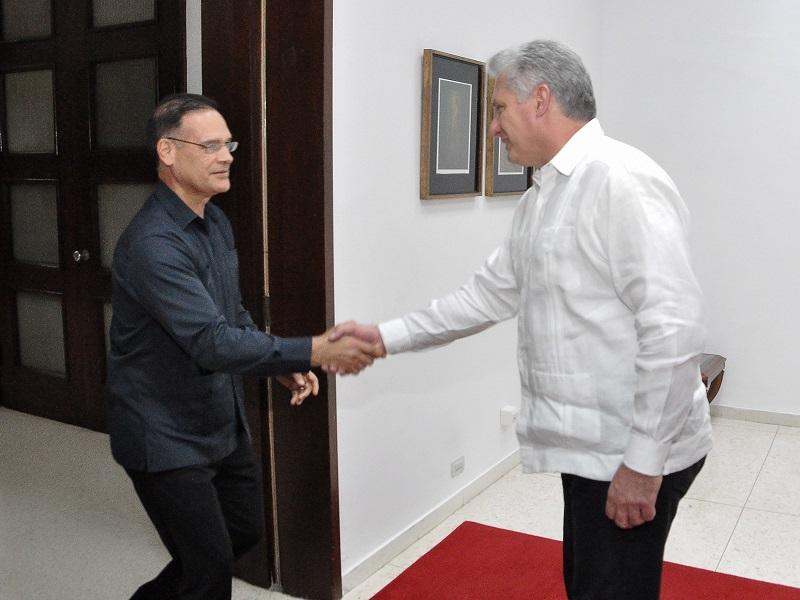 Recibió Díaz-Canel a dirigente partidista de Panamá