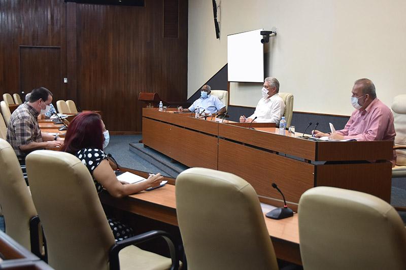 🎧 Cuba ante la COVID-19: resultados favorables, pero los riesgos persisten