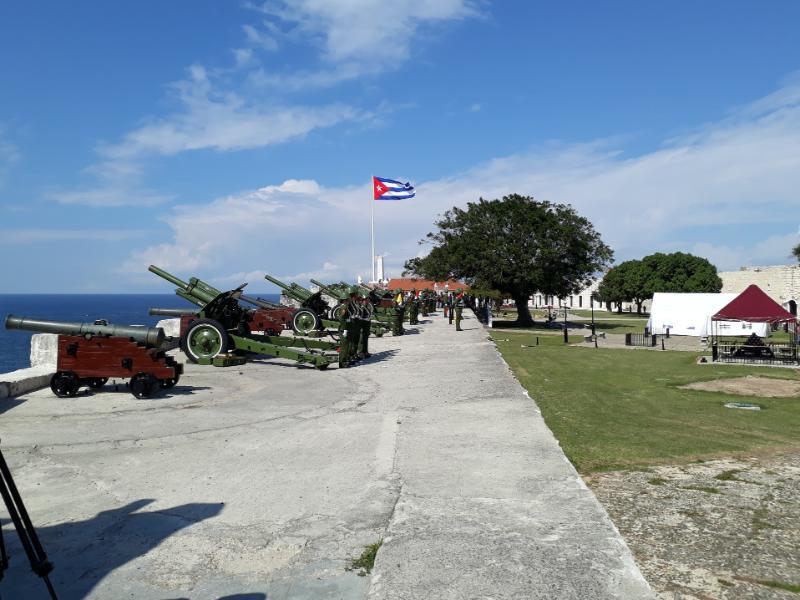 Resuenan en la Habana 21 salvas de artillería por natalicio de José Martí