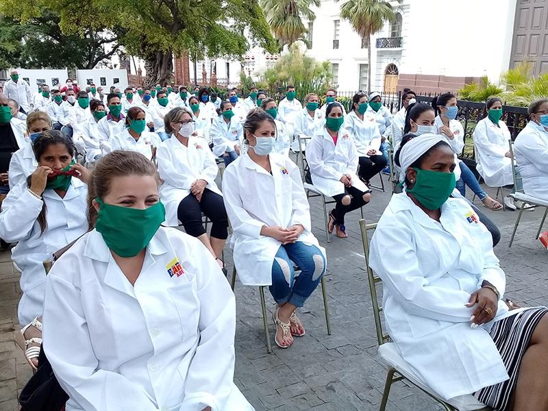 Elogian heroicidad de médicos cubanos