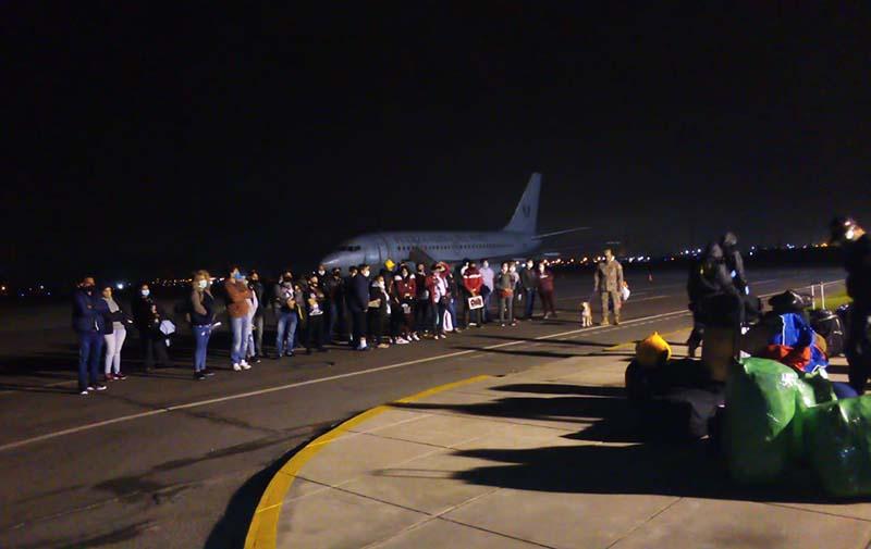 Llega a Cuba segundo grupo de cubanos procedentes de Perú