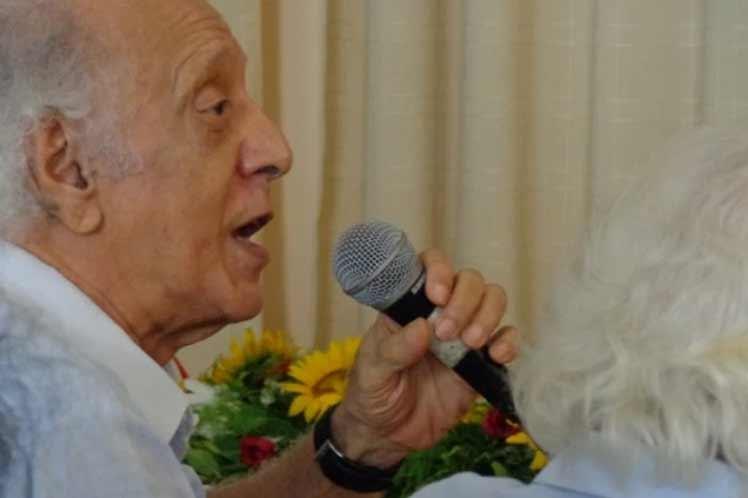 Falleció el reconocido poeta y escritor cubano César López