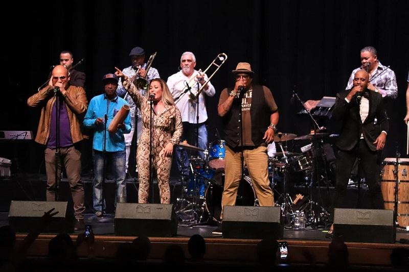 La popular orquesta Formell y los Van Van también se presentará en el Festival de la Salsa.