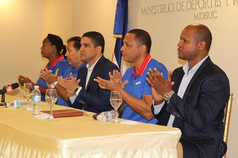 Tres cubanos dirigirán  el nuevo proyecto del baloncesto femenino en Dominicana
