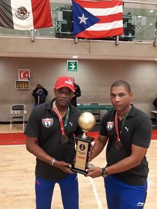 Prestigioso entrenador cubano contribuye a elevar nivel del balonmano dominicano