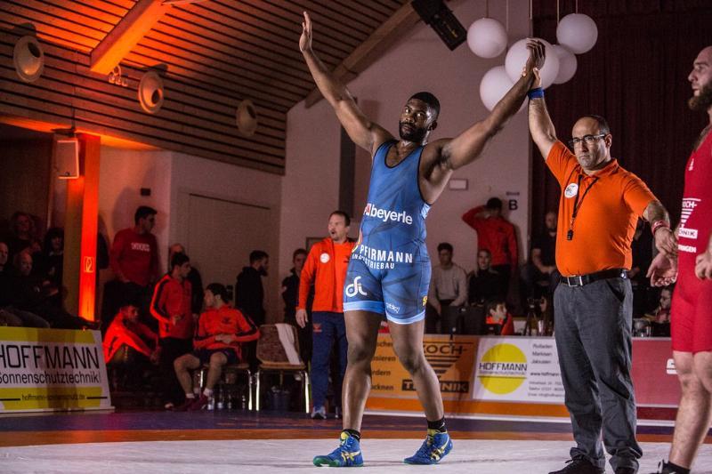 Luchadores cubanos protagonistas en semifinales de Ringer Liga Alemana