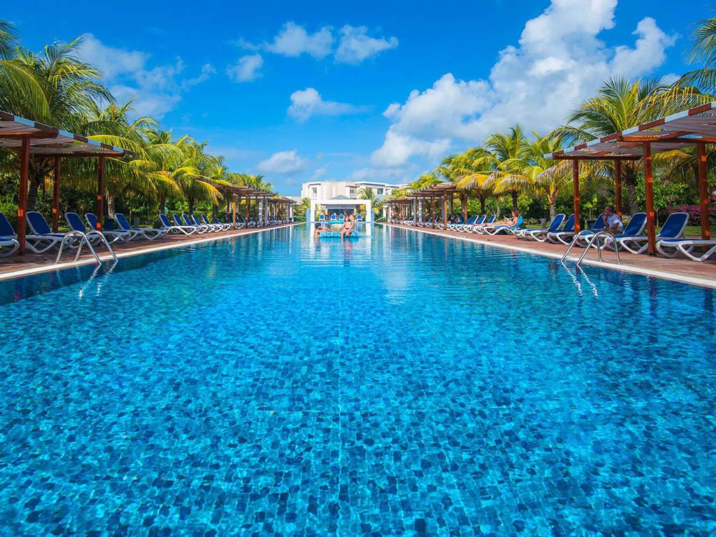 🎧 Cuatro hoteles de Cayo Santa María recibirán turistas extranjeros desde el 1ro de julio