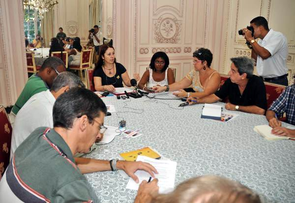 "Campaign ""Voices for The Five"" Presented in Havana"