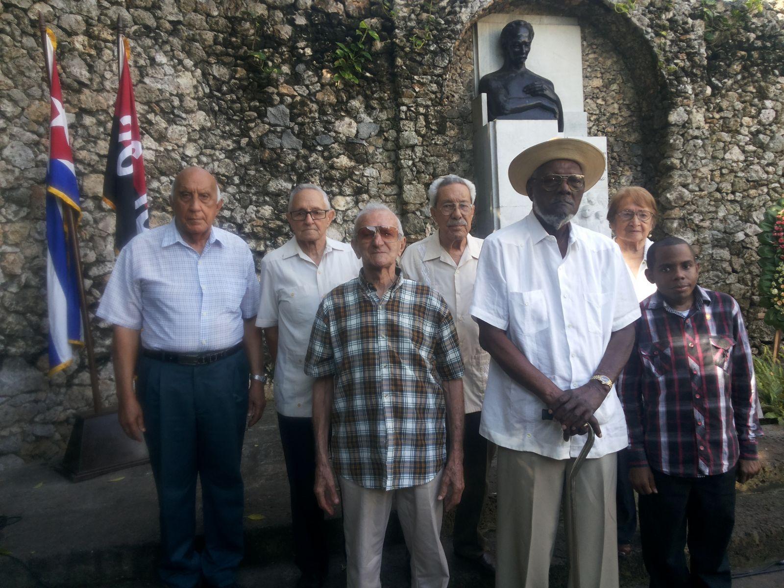 Moncadistas y Expedicionarios del Granma recorren centros históricos