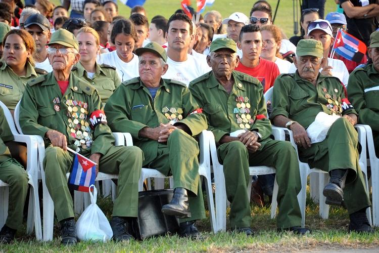 Habaneros reciben a la Caravana de la Libertad