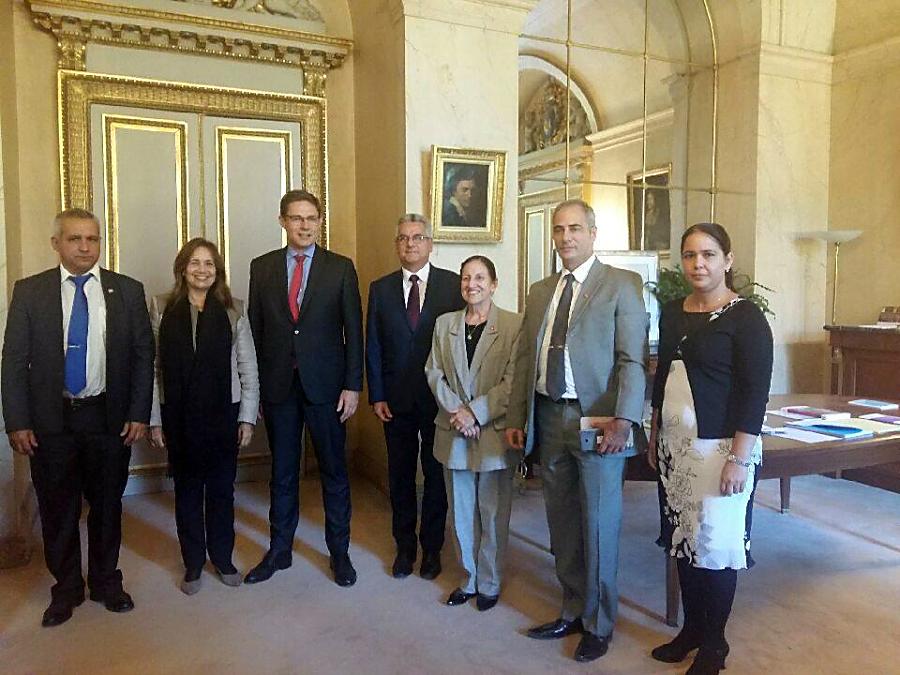 Vicepresidenta del parlamento cubano concluye visita oficial a Francia