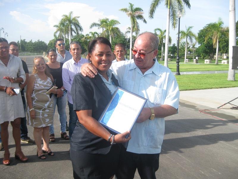 Celebran aniversario de los Joven Club en Santiago de Cuba